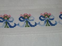 This Pin was discovered by Mel Small Cross Stitch, Cross Stitch Borders, Cross Stitch Flowers, Cross Stitch Designs, Cross Stitch Patterns, Diy Embroidery Patterns, Crochet Flower Patterns, Ribbon Embroidery, Cross Stitch Embroidery