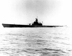 USS Sculpin heading out to sea in 1943 Us Submarines, German Submarines, Coast Guard Ships, Uss Texas, Abandoned Ships, Pearl Harbor Attack, Today In History, Out To Sea, United States Navy