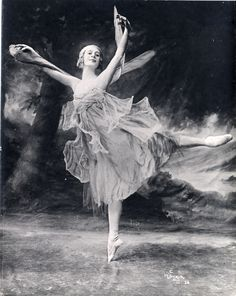 Anna Pavlova in The Dragonfly, 1916. #dancefashion via San Francisco Performing Arts Library & Museum