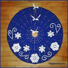 Crochet Tutorial: Fabulous Flurries Tree Skirt | YARNutopia by Nadia Fuad