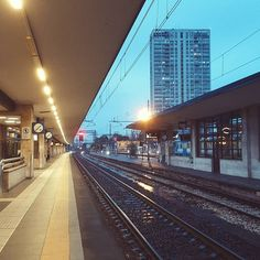 Treni...e treni!! . #trenitalia #goodbye #photooftheday #milano #arrivo #photooftheday #rimini #igersrimini #pitstop #instagood #rain #reignoverme #ciaone #train #station #volgorimini #myrimini by giobbepelle