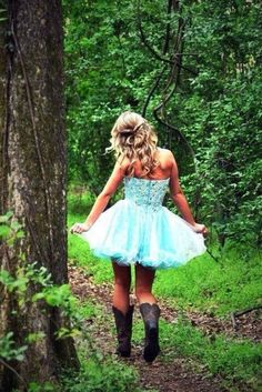 country prom picture ideas for couples Turquoise Prom Dresses, Cute Prom Dresses, Dance Dresses, Homecoming Dresses, Sexy Dresses, Beautiful Dresses, Short Dresses, Fashion Dresses, Prom Dress Quiz