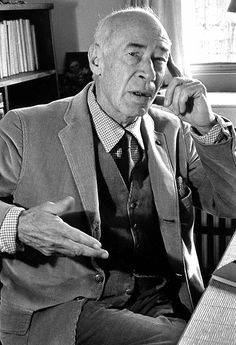 Henry Miller, finger on his fore-head, Paris, 1961 © Gisèle Freund Henry Miller, Writers And Poets, Europe, Writing Poetry, French Photographers, Documentary Photography, Book Authors, Books, Documentaries