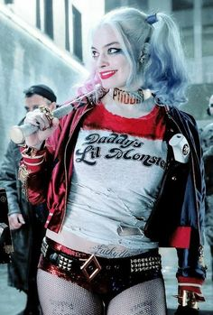 Harley quinn margot robbie suicide squad DC comics joker Batman villains