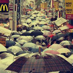 http://www.limiteartistico.com/2012/10/fotografia-callejera-en-canada-y-japon.html#.UIbDOMV8rjs