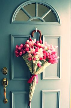 So pretty to welcome guests at the front door for a baby or wedding shower... But needs a great big beautiful bow tied around the middle!