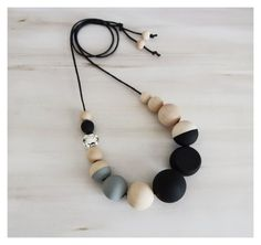 Hand Painted Wooden Necklace/modernnecklace/bohonecklace/woodenbeads/silverbead/handmadenecklace/blackandwhitenecklace/statementnecklace