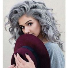 Looking for some hair color inspiration for your new hairstyle? Look at these silvery hair ideas that take the fashion world by storm. Look at these stunning ideas for silver hair! Silver hair (or. Grey Curly Hair, Curly Hair Styles, Long Curly, Blonde Hair, White Hair, Grey Hair Young, Ashy Hair, Blonde Pink, Blonde Dye