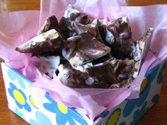 Almond and Cranberry Bark So easy to make! A great alternative Easter gift.