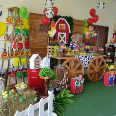 #granjadezenon #farmparty #fiestagranja #vacalola #fiestasinfantiles #fiestastematicas Farm Animal Party, Farm Animal Birthday, Barnyard Party, Cowgirl Birthday, Farm Birthday, Farm Party, Boy Birthday Parties, Birthday Party Centerpieces, Kids Party Themes