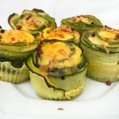 Muffin de abobrinha delicioso!  Fiz essa receita hoje para o almoço, super rápido de fazer, prático e delicioso.. O recheio é com ovos, parmesão e queijo de kefir. Já já posto o passo a passo.. #equilibrio #paleo #nutricao #geracaosaude #receitasfit #dieta #saudavel #foco #foconameta #dietasemsofrer #saude #amazing #foconadieta #fitfood #fitlife #fitness #comeeagacha #healthy #natural #foconofoco #30tododia #light #lowcarb #lifestyle #cleaneating #comidadeverdade #fitnoverao #cozinhasaudavel
