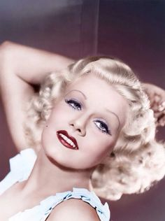 Jean Harlow, the original blonde bombshell Hollywood Vintage, Old Hollywood Glamour, Vintage Glamour, Vintage Beauty, Classic Hollywood, Vintage Vogue, Hollywood Makeup, Vintage Makeup, Hollywood Fashion