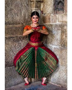Bharatnatyam is one among the foremost common classical Indian dances kind. It is principally common in the South Indian state of Tamil… Isadora Duncan, Dancing Drawings, Indian Classical Dance, Dance Paintings, Dance Poses, Dance Fashion, Dance Pictures, Dance Art, Dance Photography