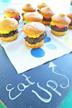 Time to eat up for summer! Dessert cheeseburgers are always a crowd pleaser!   www.rappsodyinrooms.com