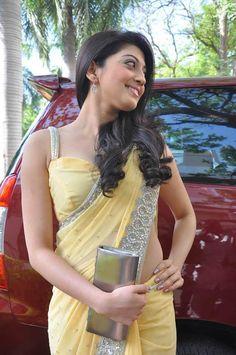 Pranitha-subhash-Gorgeous-Look-Wallpaper-7.jpg (465×700)