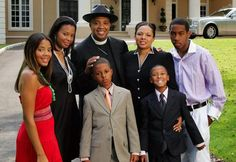 The Children of Stars Who Became Very Famous Themselves - Rolling Out Black Love, Black Men, Episodes Tv Series, Father Photo, Black Fathers, All In The Family, Influential People, Reality Tv Shows, Family Affair