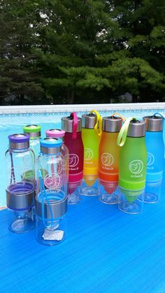 H2O Fruit Infuser Water Bottle | Detox Slimming Water Infusing | INFUSION DRINK  How about a cup of water with strawberry, orange, blueberry, or watermelon?  Perfect Body Detox Partner: Please look at the link below for tips of Body Detox with Fruit Water