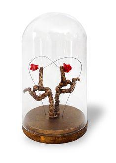 """#sculpture sous cloche """"Senteur fleurs"""" #BernardSaintMaxent #foiredeparis 2018 Tableaux Vivants, Sculpture, Snow Globes, Cloche, Invitations, Decor, Artists, Flowers, Decorating"""