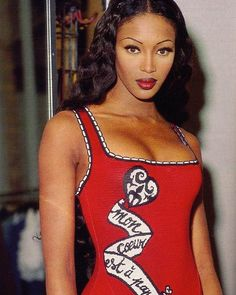 Naomi Campbell in Azzedine Alaia, photographed by Gilles Bensimon, ELLE, 1992 90s Models, Female Models, Women Models, Naomi Campbell 90s, 90s Fashion, Fashion Models, Fashion Killa, Retro Fashion, Runway Fashion
