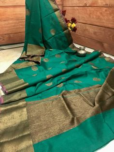 Buy latest Indian sarees in USA, & India for wedding to casual. Get silk mark certified sarees, skirts, salwars, jewelry and shop handloom to banarasi sarees online. Organza Saree, Tussar Silk Saree, Soft Silk Sarees, Latest Indian Saree, Indian Sarees, Indian Attire, Indian Wear, Saree Hairstyles, Teal Green Color