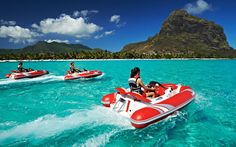 A Mauritius attraction you just cannot afford to miss during your Mauritius honeymoon is the Ile aux Cerfs, an island located off the East coast. Popularly known as the Treasure Island, this picturesque getaway is famous for its spectacular white sandy be Mauritius Honeymoon, Mauritius Travel, Mauritius Island, Fiji Islands, Cook Islands, Romantic Beach Getaways, Romantic Travel, Sports Nautiques, Water Sports