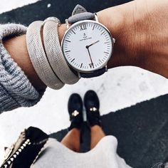 This 40 mm silver watch has an ivory white dial and vintage gray leather band that will wow you. Fashion Accessories, Fashion Jewelry, Silver Jewelry Box, Silver Rings With Stones, Rose Gold Watches, Wrist Watches, Casual Rings, Vogue, Chains For Men