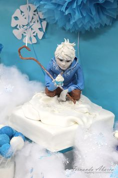 Beautifully done Jack Frost cake... my daughter would love this!