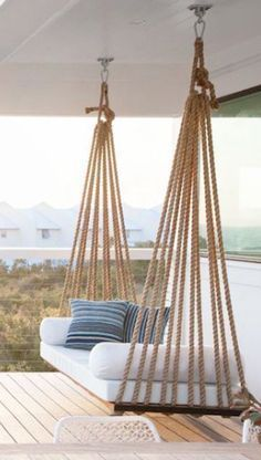 Veranda ideas that make your home more valuable - .- Veranda-Ideen, die Ihr Zuhause wertvoller machen – Veranda ideas that make your home more valuable – - Porch Bed, Porch Swing, Front Porch, House Porch, House Front, Beach Cottage Style, Beach House Decor, Home Decor, Beach House Names
