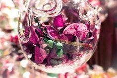 Christmas decorations 😃 My Photos, Christmas Decorations, Vegetables, Christmas Decor, Vegetable Recipes, Christmas Baubles, Christmas Ornaments