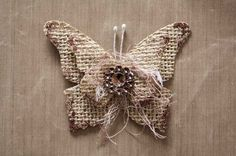 burlap butterfly | Here is the finished butterfly! Totally fast an easy!!