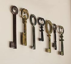 vintage keys: set of 7