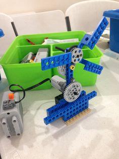 LEGO motorized windmill or fan design by WoodlandsRobotics.com