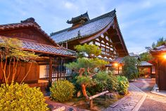 temple-in-kyoto-japan