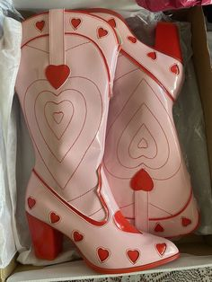 Art Deco, Pumped Up Kicks, Dream Shoes, Pumps, Heels, Be My Valentine, Saint Valentine, Country Girls, Lady In Red