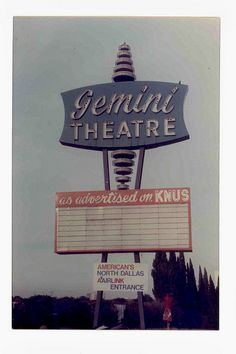 Dallas, Texas Gemini right here! love this old-ass venue relic it's great - Retro Signage, Outdoor Movie Screen, Drive In Movie Theater, Vintage Neon Signs, Lone Star State, Old Signs, Dallas Texas, Old Movies, Gemini