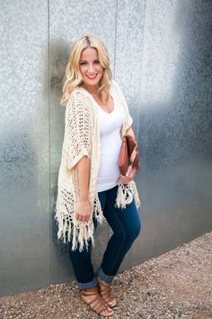 Boho chic maternity clothes. Love. You can still make a fashion statement with a baby bump. AK | Life + Style Blog: Casual Cardi