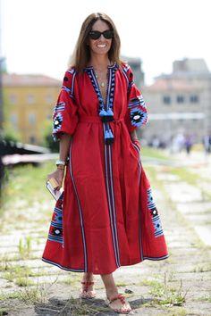 Vyshyvanka ukrainian embroidered maxi mexican bohemian linen dress, Blue Navy Embroidery Kaftan Abaya Ukrainian Style Bohemian rty - Women's style: Patterns of sustainability Iranian Women Fashion, African Fashion, Abaya Fashion, Fashion Dresses, Fashion Clothes, Mexican Embroidered Dress, Estilo Hippie, Casual Dresses, Summer Dresses
