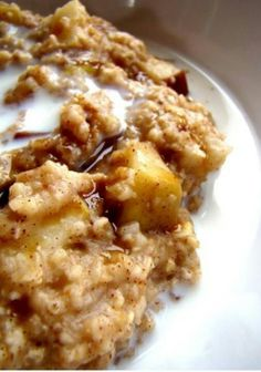 2 apples cut up, 1/4 cup brown sugar, 1 tsp cinnamon, 2c oats, 2 c water, 2 c milk Place in crockpot in that order sprinkling ingredients but do not mix or stir. Cook on low 8-9 hours.