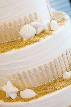 Elberta Lifesaving Station Wedding Wedding Cake | Rayan Anastor Photography | Elberta Lifesaving Station Wedding Photographer