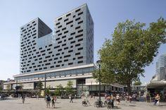 De Karel Doorman appartementen , Rotterdam  gebouwd op het voormalige  Ter Meulen Post gebouw