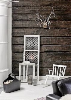 Grunge Style in Interior Design - HomeAdore. Black and white is always nice. Estilo Grunge, Interior Decorating, Interior Design, New Home Designs, Scandinavian Home, White Houses, Loft, White Decor, Rustic Interiors