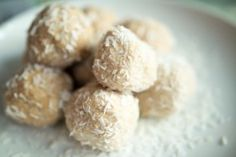 Coconut Macadamia Paleo Protein Balls - The Paleo Fix. Not the best, the nut butter was a bit heavy on my tummy.
