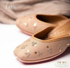 Indian Shoes, Boot Bling, Stylish Sandals, Glitter Shoes, Women's Feet, Womens High Heels, Loafer Shoes, Wedding Shoes, Casual Shoes