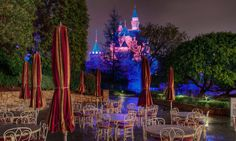 Disneyland at closing time. Disney World Fl, Disney Parks, Walt Disney, Tokyo Disneyland, Disneyland Resort, Vintage Disneyland, Disneyland California, Disney Love, Disney Magic