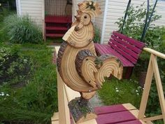 Rooster from wood slices Wood Log Crafts, Wood Slice Crafts, Christmas Wood Crafts, Diy Wood Projects, Woodworking Projects, Wood Animal, Wood Logs, Diy Holz, Wood Creations
