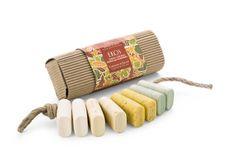 Jabones con ingredientes orgánicos y naturales.