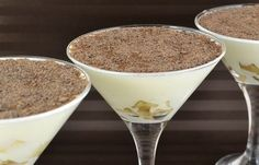 Ингредиенты:Cметана — 500 гCахар — 100 гБананы — 2 шт.Шоколад — 25 гБыстрорастворимый желатинПриготовление:1. Сметана для приготовления желе должна быть комнатной температуры.К сметане добавить сахар,…