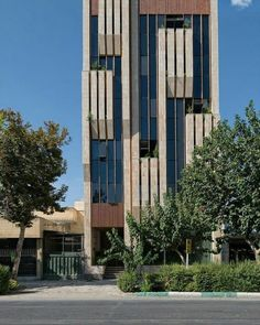 Office Building Gallery of Jey Official Building / Sarsayeh Architectural Office - 1 Office Building Architecture, Building Facade, Modern Architecture House, Building Exterior, Facade Architecture, Concept Architecture, Amazing Architecture, Office Buildings, Chinese Architecture