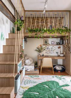 Loft Beds For Small Rooms, Cool Loft Beds, Small Room Design Bedroom, Home Room Design, Tiny House Design, Kids Bedroom, Loft Bed Decorating Ideas, Deco Studio, Aesthetic Bedroom