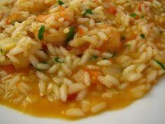 Ontem para o jantar fiz um arroz de camarão. Não segui propriamente nenhuma receita, confeccionei o arroz como faço normalmente. O único toq...